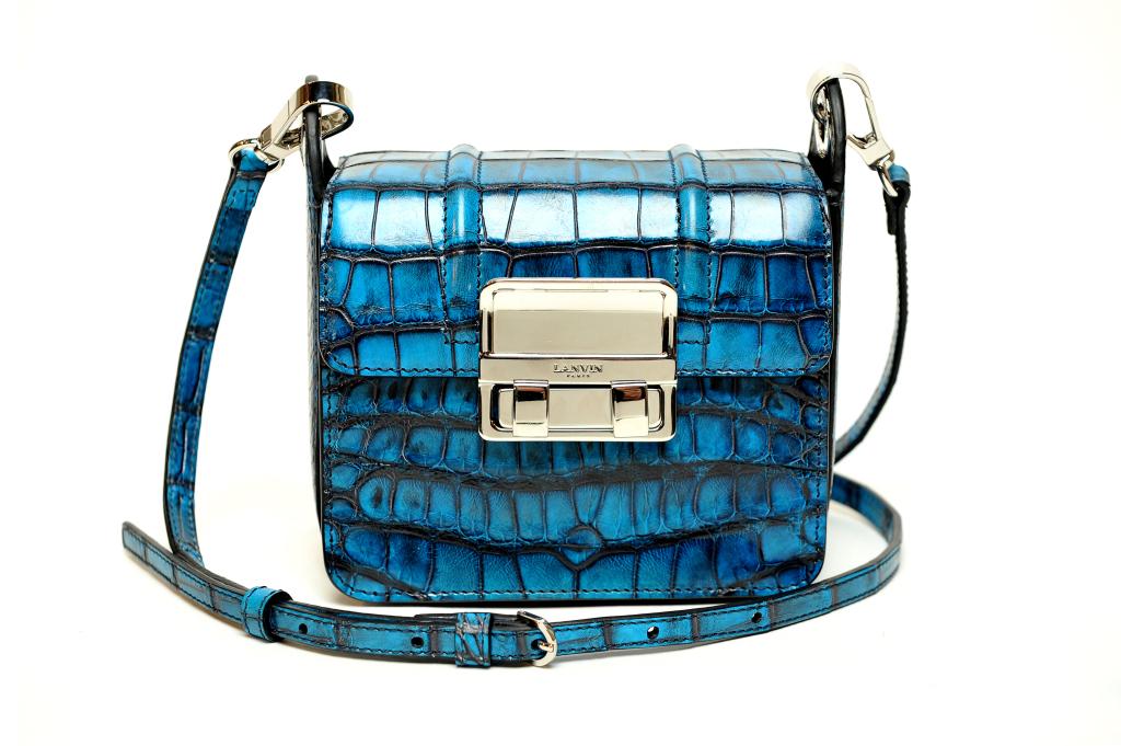 На фото: маленькая сумочка - новинка сезона из коллекции Lanvin.