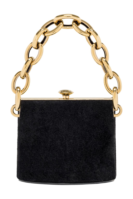 На фото: маленькая черная сумочка - новинка сезона из коллекции Marni.