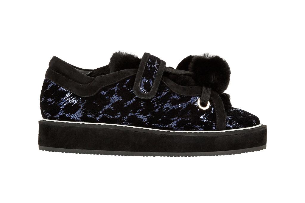 На фото: обувь в мужском стиле из коллекции Nicholas-Kirkwood.