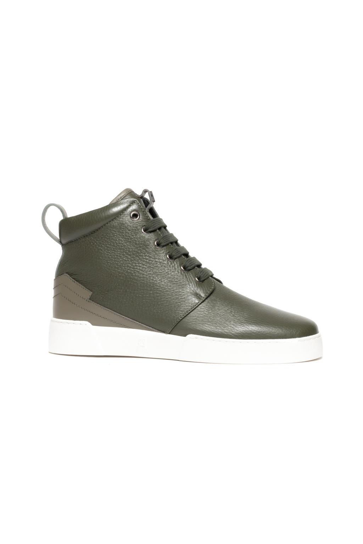 На фото: обувь в мужском стиле из коллекции Paul-Andrew.