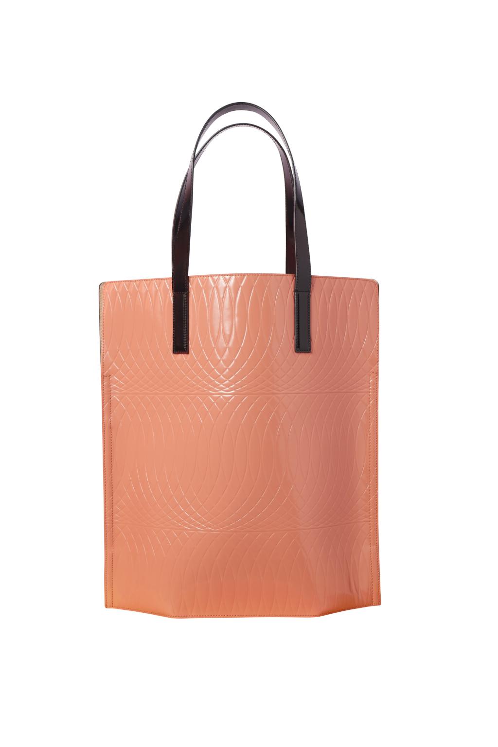 Большие сумки: модные тренды - сумка прямоугольной формы из коллекции Paul Smith.