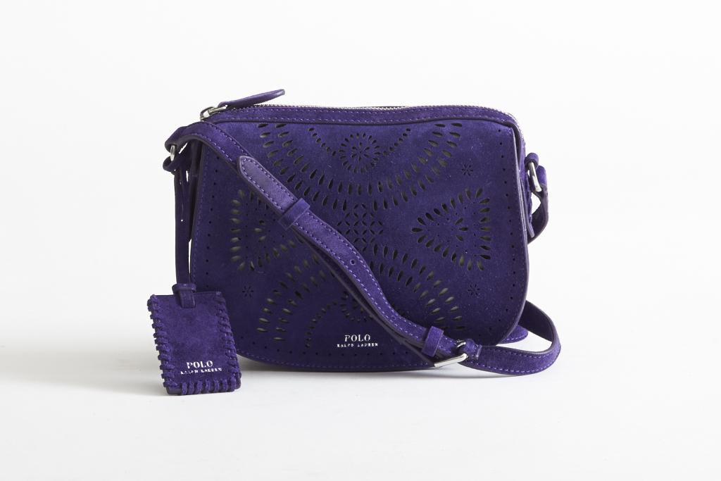 На фото: маленькая сумочка - новинка сезона из коллекции Polo Ralph Lauren.