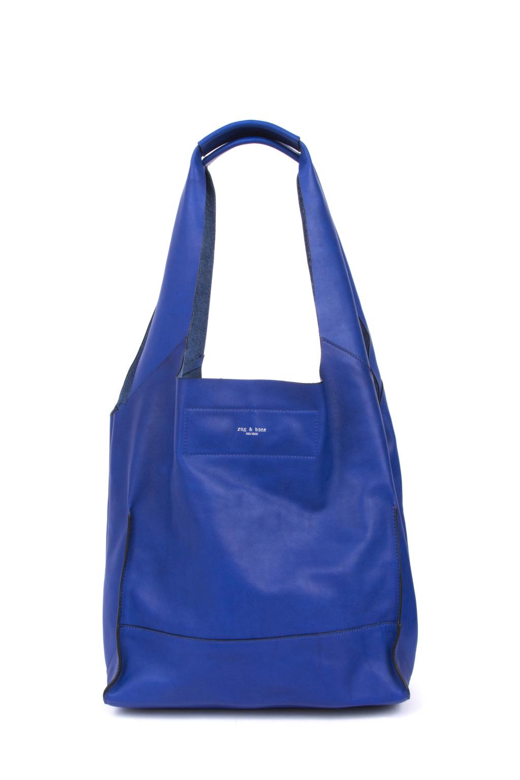 Большие сумки: модные тренды - сумка прямоугольной формы из коллекции Rag and Bone.