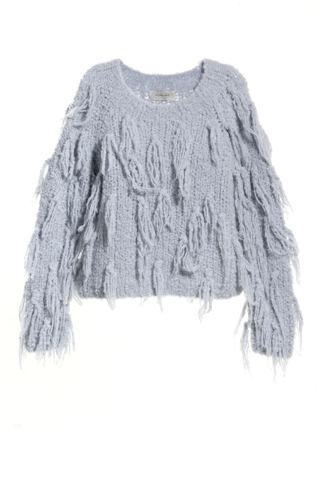 Модный серый свитер тренд сезона из коллекции Yune Ho.
