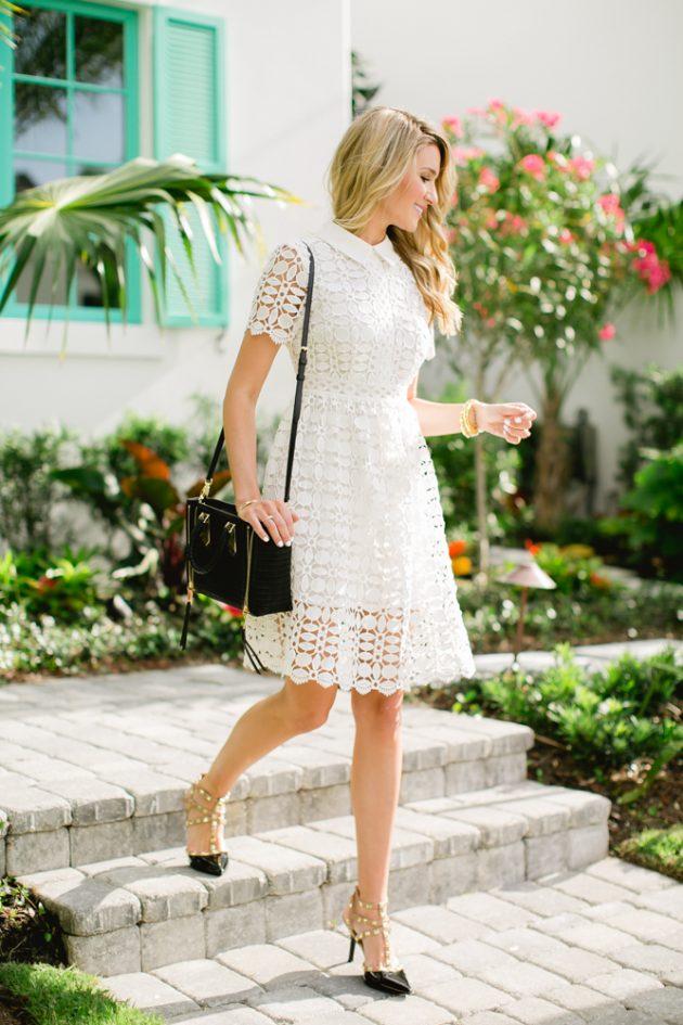 Белое кружевное платье.
