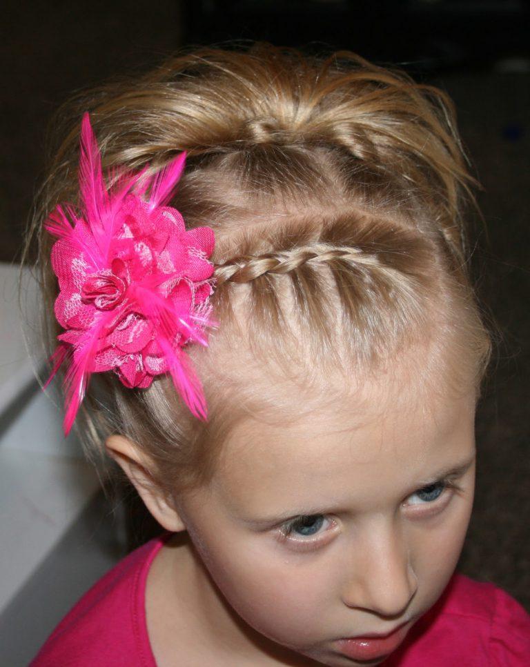 Праздничные прически для девочек с короткими волосами