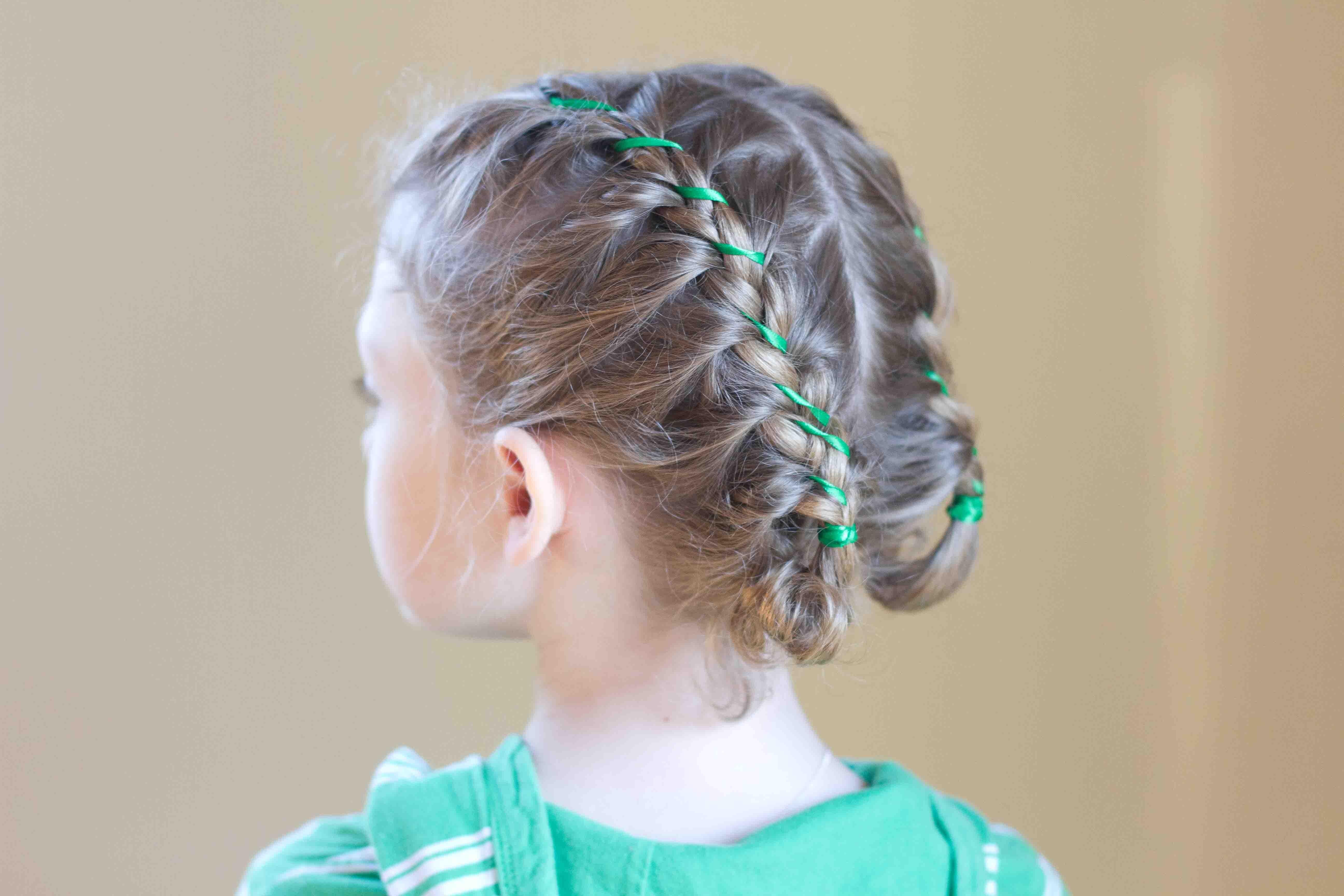 Детские причёски на длинные волосы для школы