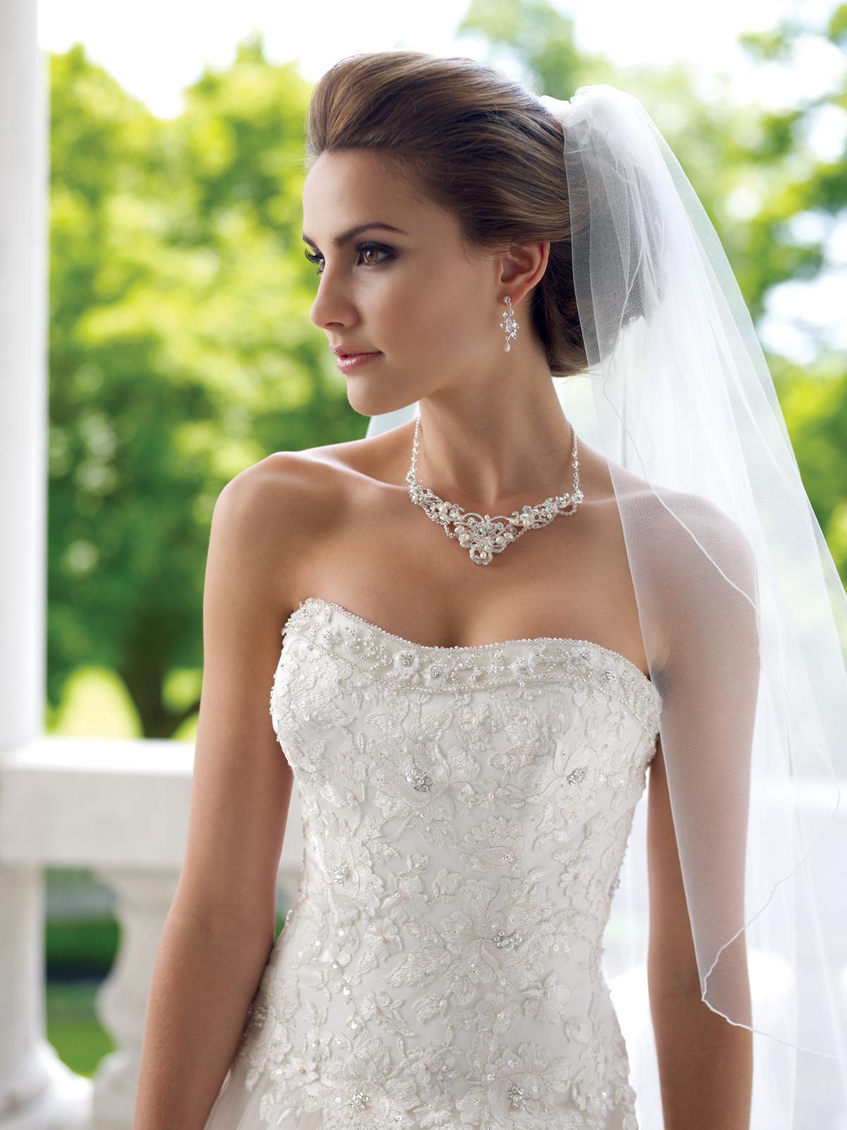 фото весільні зачіски з фатою