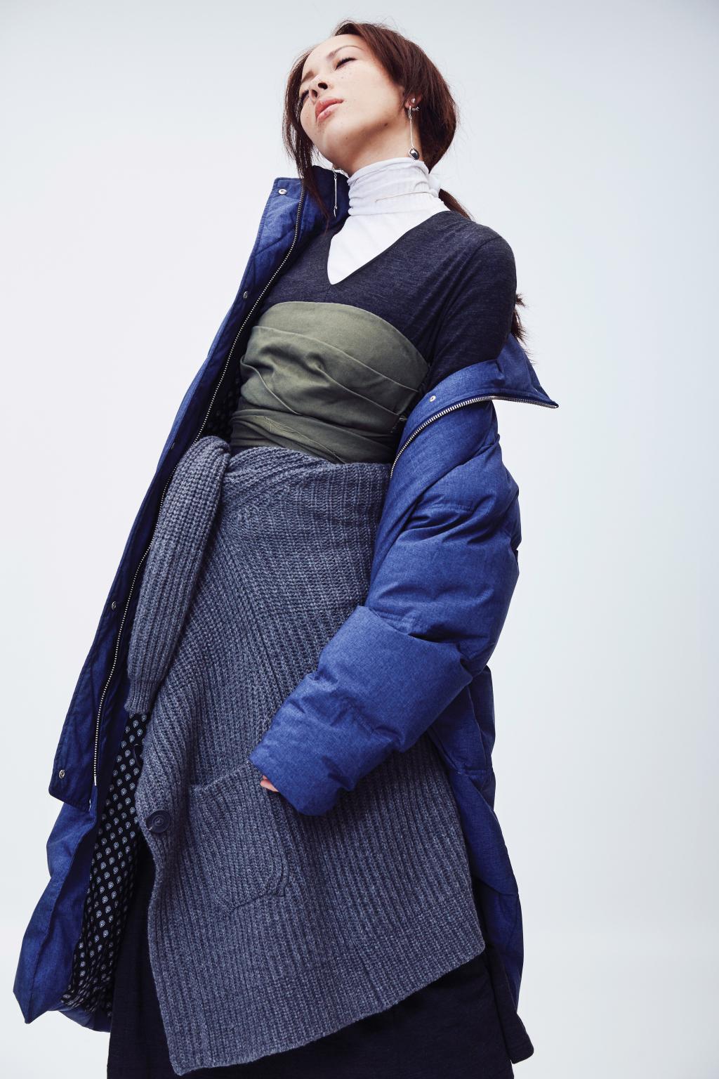 На фото: дутая куртка – тренд осени и зимы