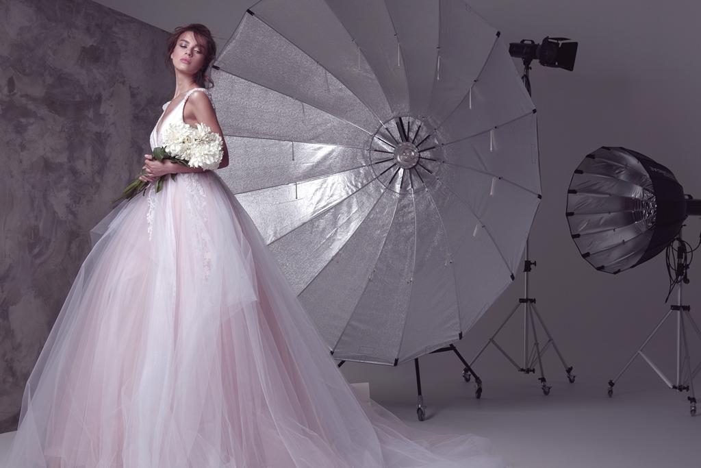 Звездный фотограф Соня Плакидюк сняла рекламную кампанию для свадебного бренда Anne-Mariee