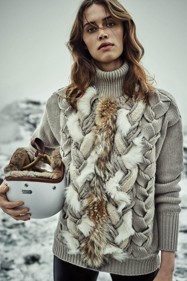 На фото: стильный свитер – модный тренд осени и зимы 2016-2017 из коллекции Belstaff.