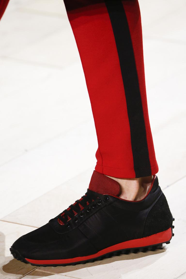 На фото: модные туфли осень 2016 – зима 2017в мужском стиле из коллекции burberry.
