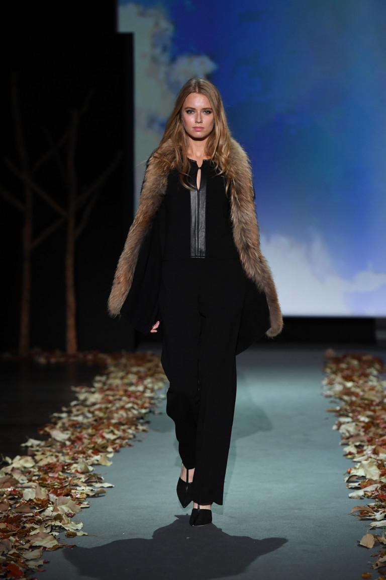На фото: верхняя одежда в стиле кантри сезона осень-зима 2016-2017 из коллекции Falconeri.