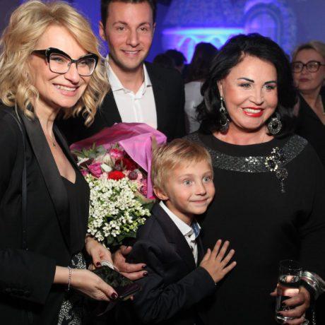 Надежда Бабкина представила третью коллекцию одежды Plus Size