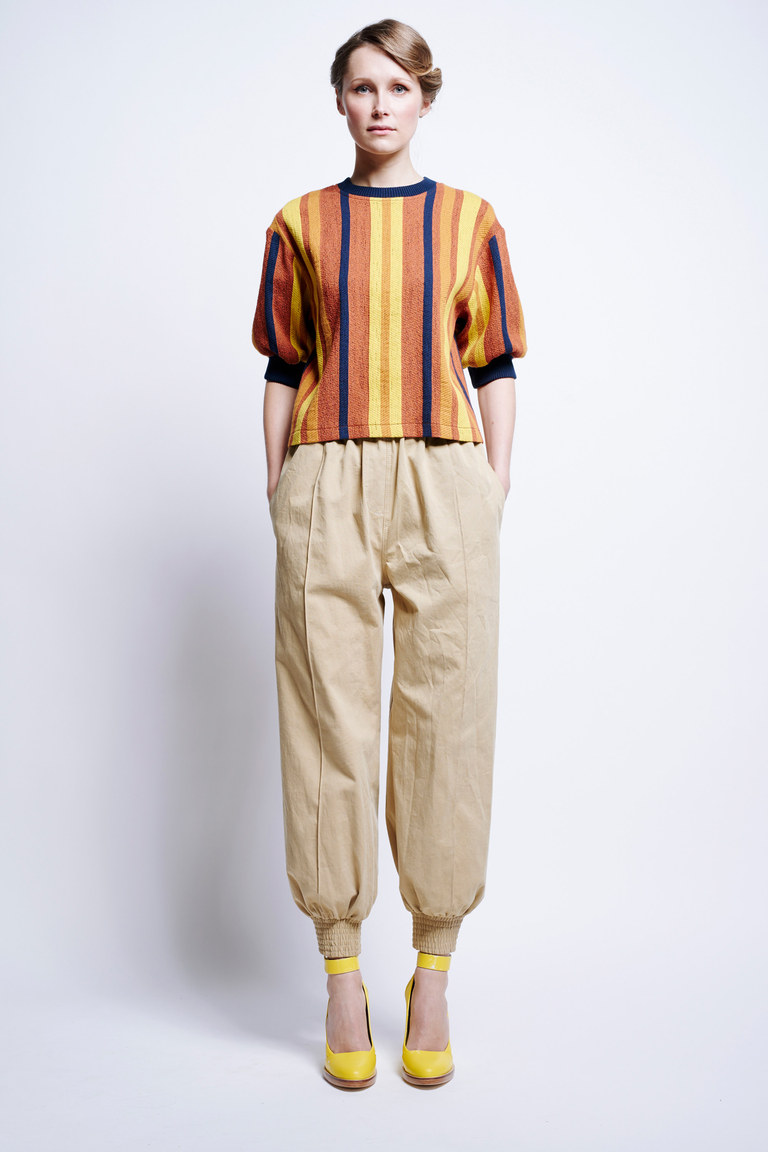 В моде 2017 года оранжевый цвет. На фото: наряд из коллекции Karen Walker