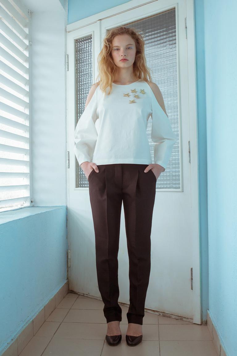 На фото: стильный свитер – модный тренд осени и зимы 2016-2017 из коллекции Medea-Maris.