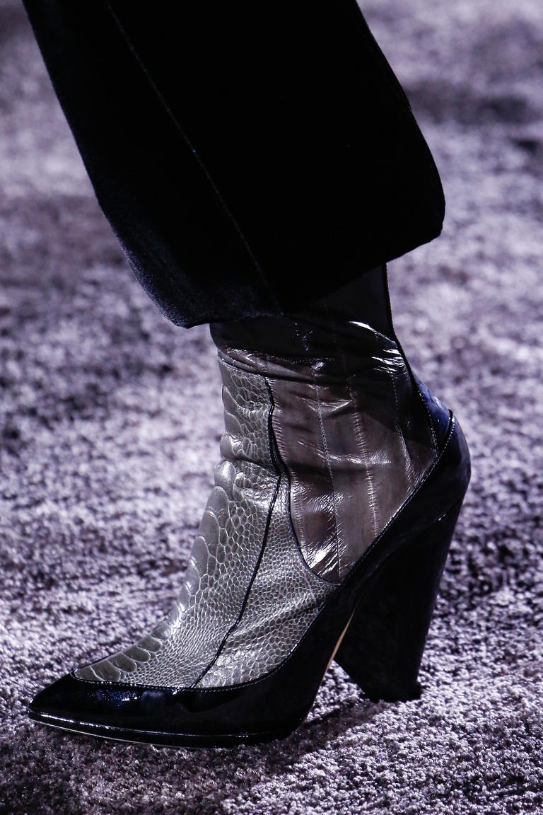 Модные сапоги: толстые каблуки – тренд осени 2016 и зимы 2017 из коллекции Nina-Ricci.