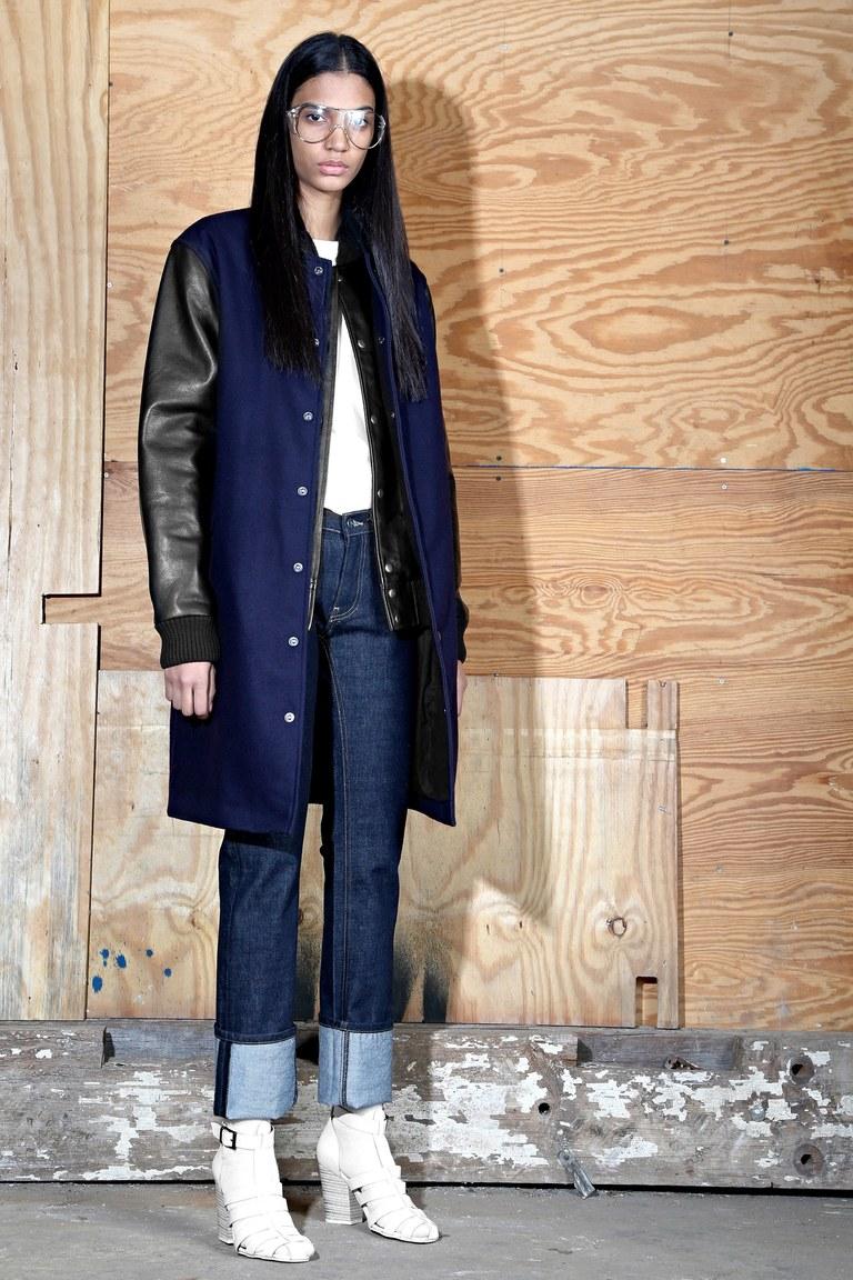 На фото: куртка из кожи осень-зима 2016-2017 из коллекции Oak.