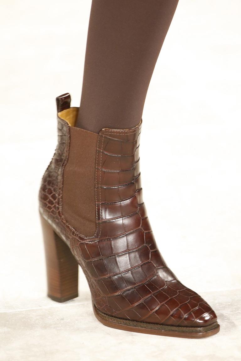 На фото: обувь осень-зима 2016-2017: ультравысокие платформы из коллекции Ralph-Lauren.