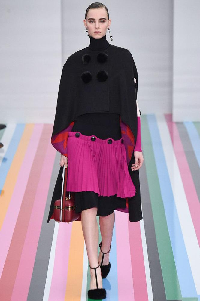 На фото: модный цвет одежды сезона осень-зима 2016-2017 из коллекции Salvatore-Ferragamo.