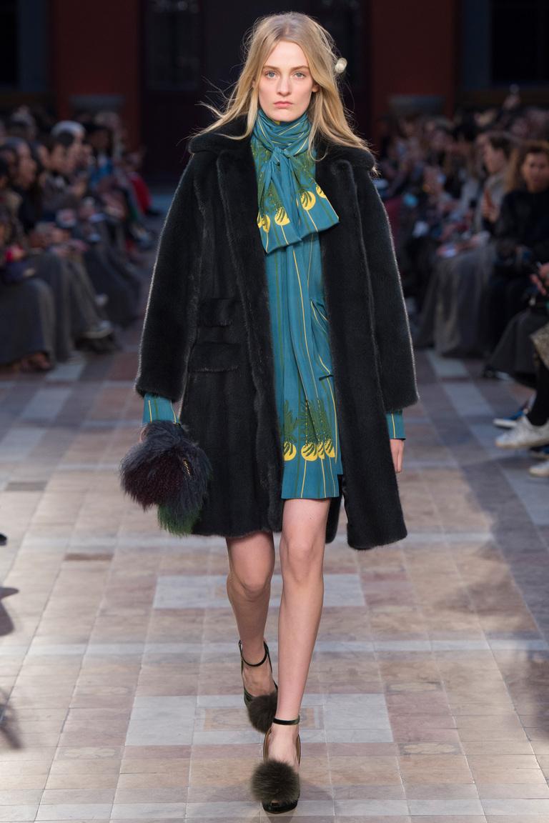 На фото: модный цвет одежды сезона осень-зима 2016-2017 из коллекции  Sonia-Rykie.