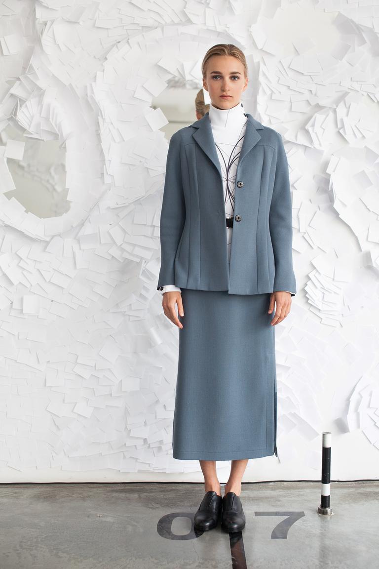 На фото: модный цвет одежды сезона осень-зима 2016-2017 из коллекции Tatyana-Parfionova.