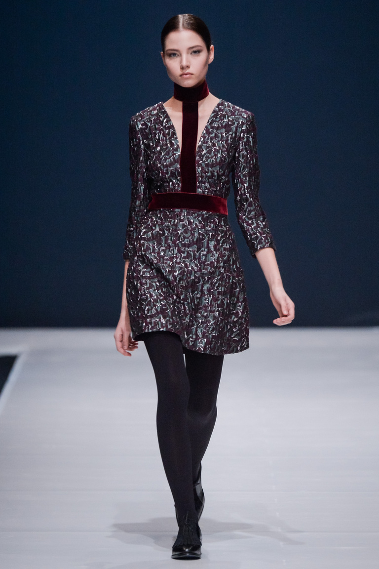 На фото: модный цвет одежды сезона осень-зима 2016-2017 из коллекции  Valentin-Yudashkin.