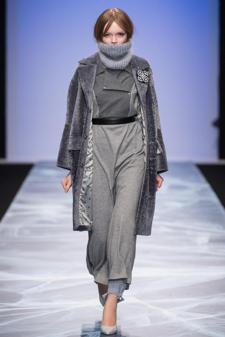 На фото: верхняя одежда сезона осень-зима 2016-2017 из коллекции Victoria-Andreyanova.