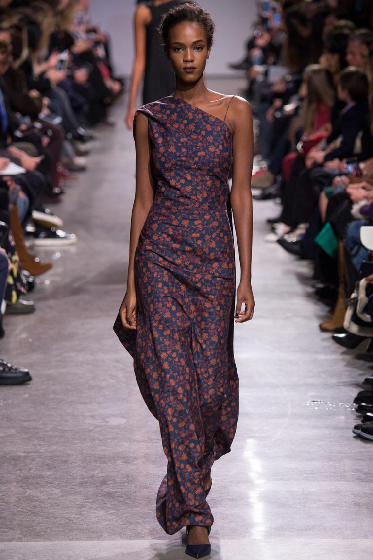 Мода 2017: главныхй тренд года -  платье с цветочным принтомиз коллекции  Zac-Posen.