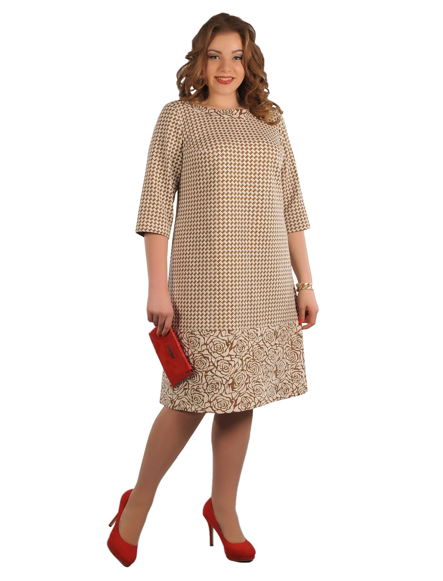 На фото:  модель платья А-силуэта- визуально стройнит.