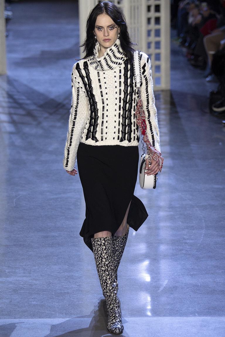 На фото: юбка-карандаш – модный вариант 2017 года из коллекции  Altuzarra.