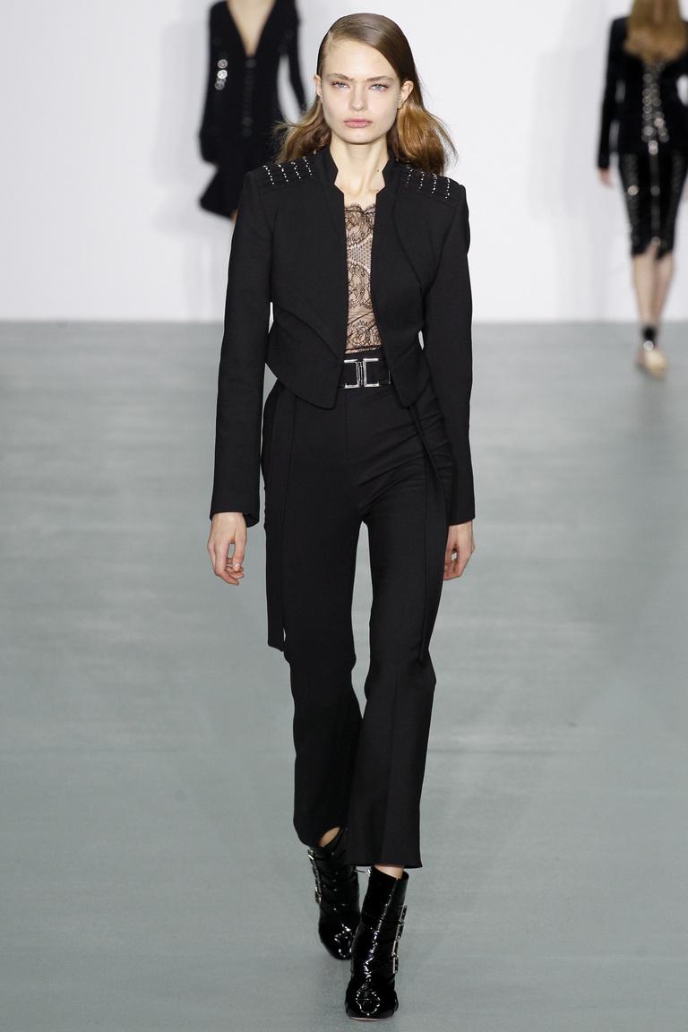 Модные укороченные женские классические брюки 2017 - фотообзор коллекциии Antonio-Berardi.