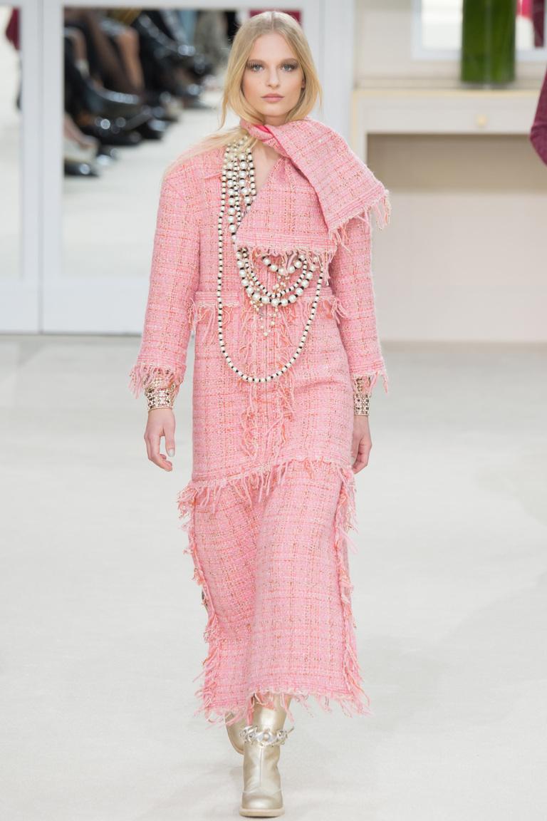 Модные юбки 2017 максимальной длины фотообзор коллекции Chanel.