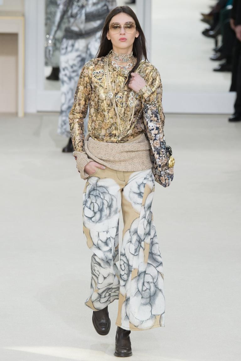 Широкие модные женские брюки 2017 в стиле оверсайз из коллекции Chanel