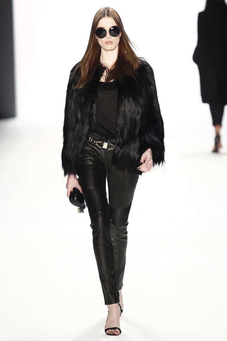 Модные кожаные женские брюки 2017 - фото новинки из коллекции Dimitri