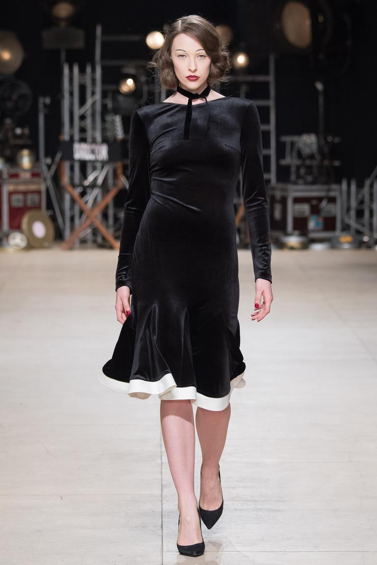 На фото: яркие новинки сезона - платье с кружевным воротником из коллекции Ester-Abner.