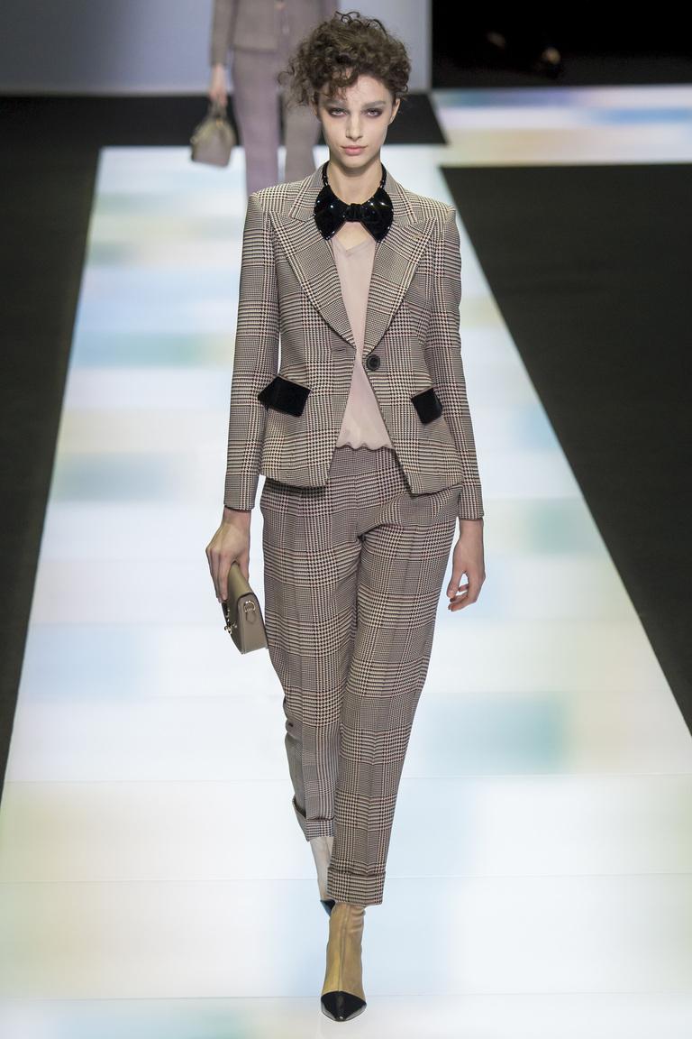 Укороченные модные брюки 2017 в клетку - фото новинки из коллекции Giorgio Armani