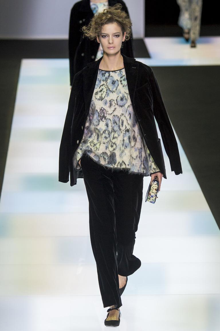 Модные классические брюки 2017 с отворотами - фотообзор коллекциии Giorgio-Armani.