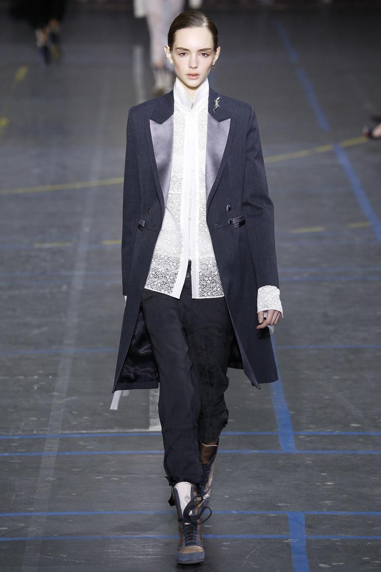 Модные пиджаки без пуговиц осень 2016 и зима 2017 фотообзор коллекции John-Galliano.