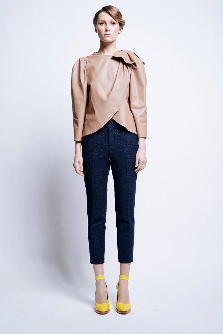 Классические укороченные модные женские брюки 2017 из коллекции Karen Walker