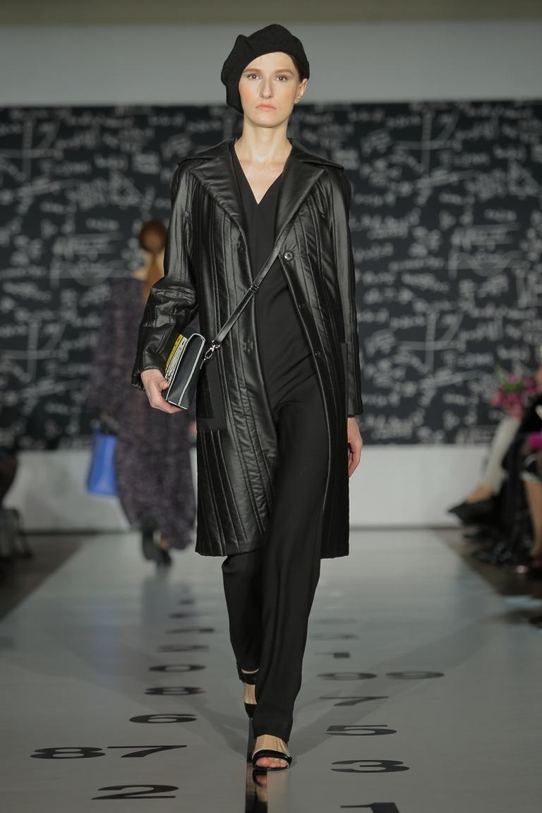 На фото: классическое пальто из коллекции Tatyana-Parfionova.