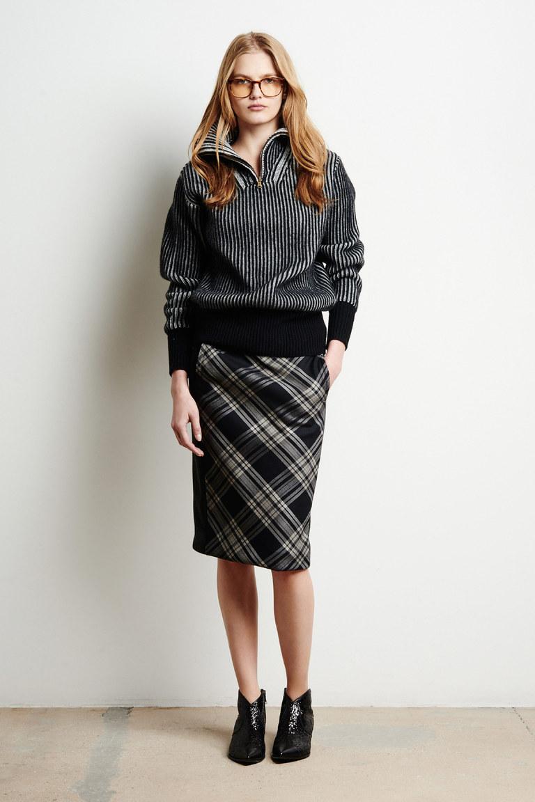 На фото: юбка-карандаш – модный вариант 2017 года из коллекции Tomas-Maier.