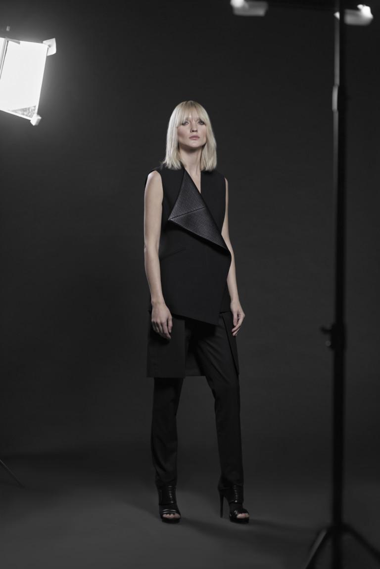 На фото: новый крутой модный образ из коллекции VASSA-Co.
