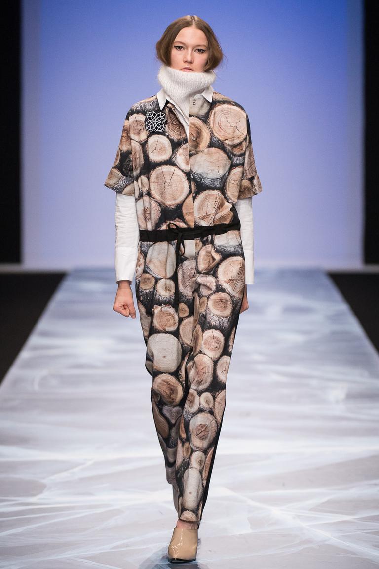 На фото: новый крутой модный образ из коллекции Victoria-Andreyanova.