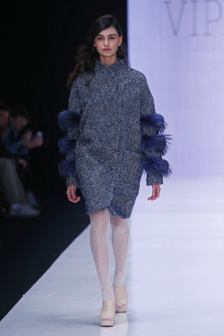 На фото: пальто из коллекции Vipers.