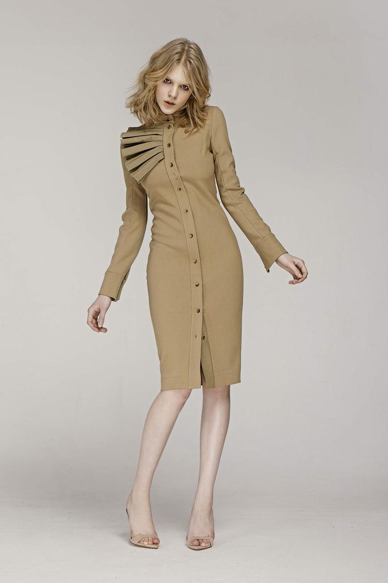 На фото: яркие новинки сезона - платье из коллекции Zalina-Verkhovskay.