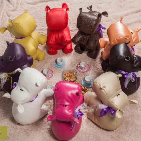 Удивительная коллекция интерьерных игрушек – славных бегемотиков