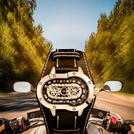 Часы MOTO – для влюбленных в дороги