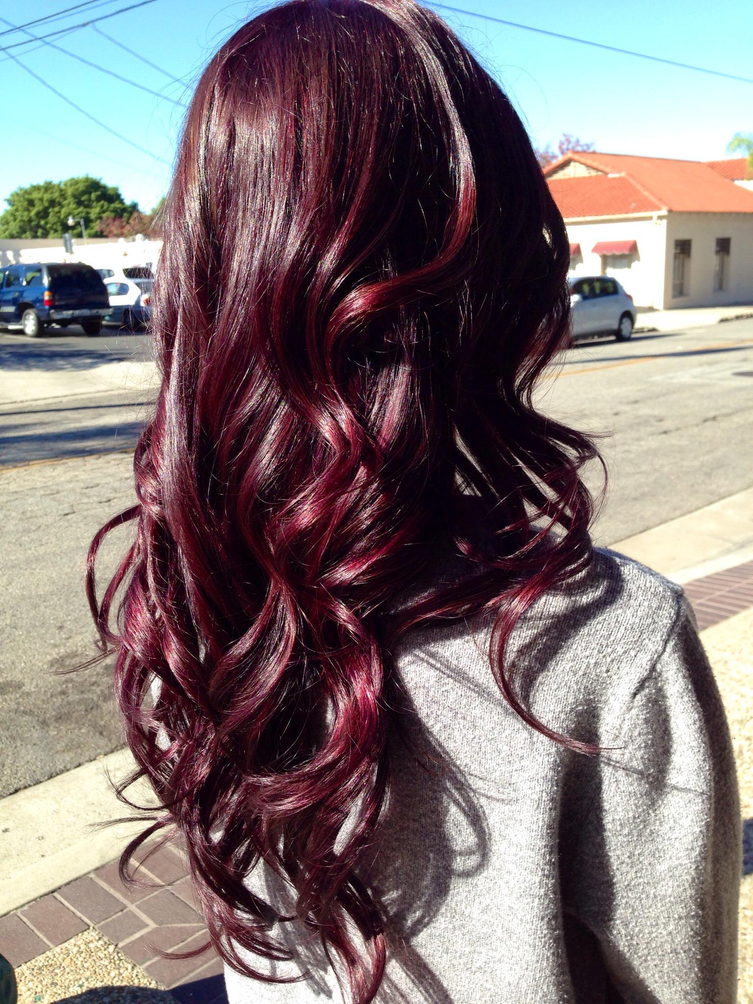 Насыщенный вишневый цвет волос 2017
