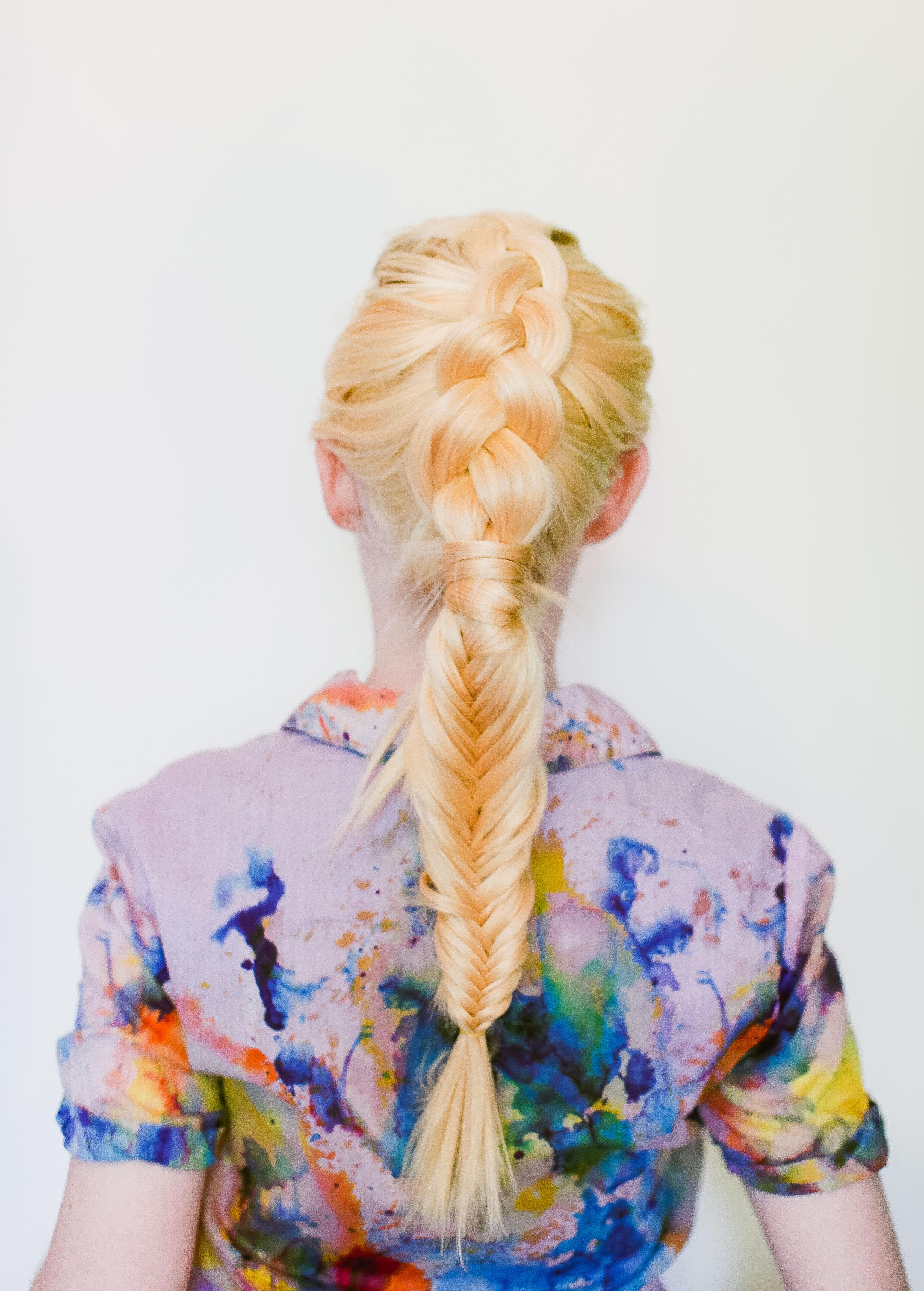 Причёска на средние волосы - оригинальная коса